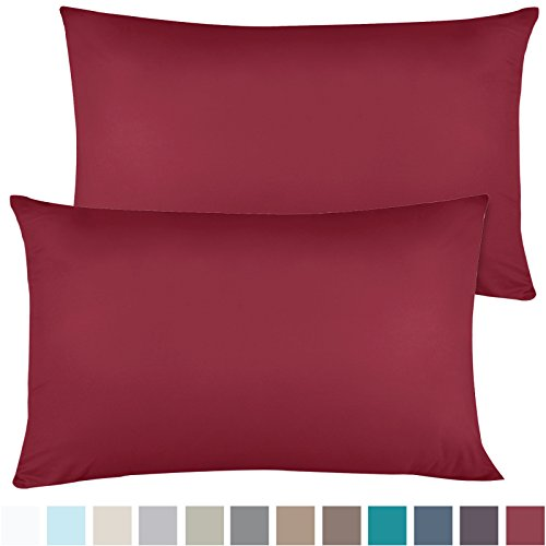 of 2 Premium Standard-Size Pillowcases Microfiber Linen, Hypoallergenic & Breathable Design, Soft & Comfortable Hotel Luxury - Burgundy Red ()