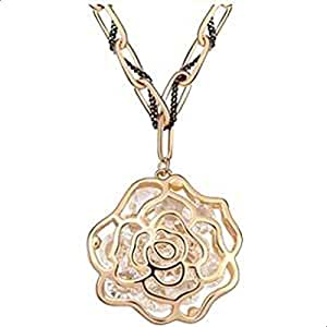 Hollow rose necklace