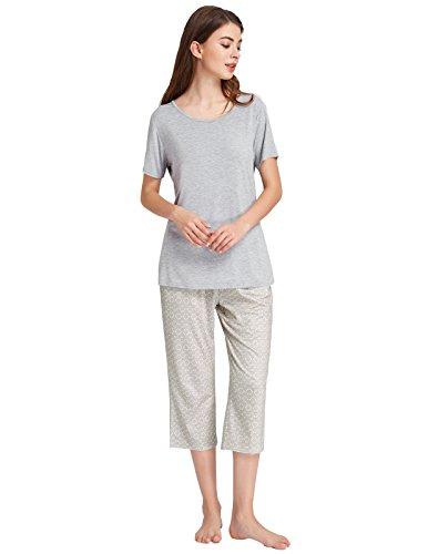 Ladies Pajama Comfortable Sets Short Sleeve Shirts and Capri Pants Grey Size XL