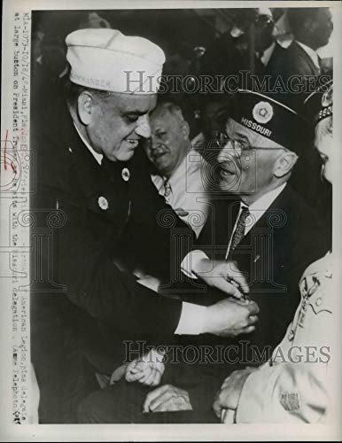 Historic Images - 1948 Vintage Press Photo Department Of American Legion Pins Delegate On Pres. Truman ()