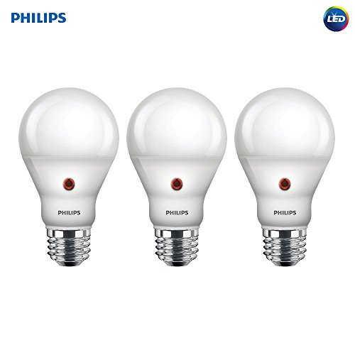 Philips LED Dusk-to-Dawn A19 Frosted Light Bulb: 800-Lumen, 2700-Kelvin, 8-Watt (60-Watt Equivalent), E26 Medium Screw Base, Soft White, 3-Pack - Bulb Led Frosted