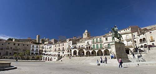 Plaza de España en Trujillo Cáceres Extremadura paellera y Pizarro ...