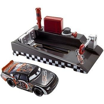 Amazon.com: Cars Pit race-off Nitro ayuda lanzador: Toys & Games