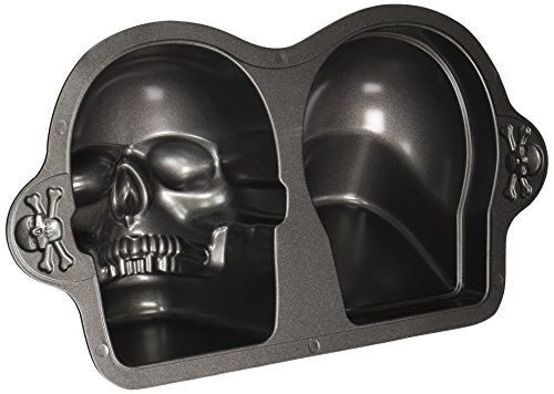 Wilton Dimensions Nonstick 3D Skull (Recipe For Wilton Halloween Cookie Pan)