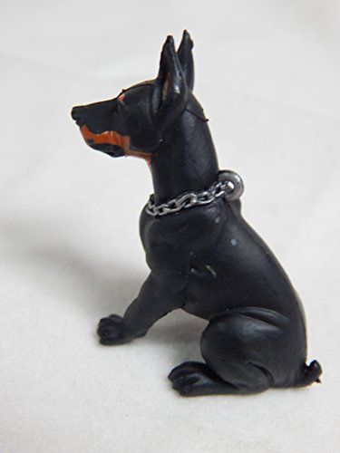"Dollhouse Miniature 1""x2"" Doberman Dog #Z268 from Mini Bear Gems"