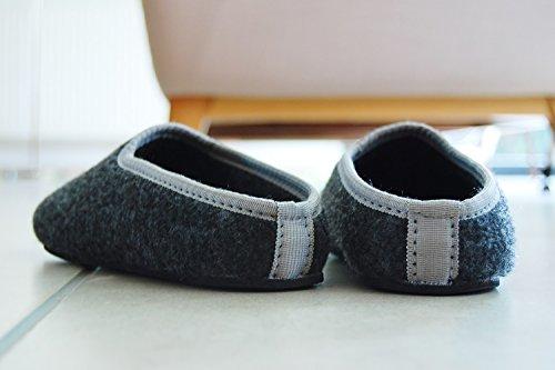 PantOUF bonitas zapatillas de casa Cambrai con un estilo fantástico sencillo y moderno. Increíblemente confortables. Las zapatillas son flexibles, ligeras, suaves, gris oscuro/amarillo Gris oscuro