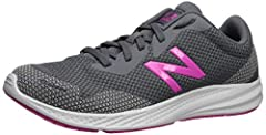Take on your running routine with the 490v7. This do-anything women's running shoe from New Balance features melted TPU yarn for long haul durability. Underfoot, lightweight and responsive cushioning helps keep you comfortable mile after mile...