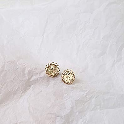 Gold Retro Stud Earring Geometric Rhombus Heart Earring Elegant Party Daily Jewelry Palace style Sunflowers With Queen head Pattern earrings