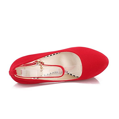 Allhqfashion Damesgesp Spikes Stilettos Geïmiteerd Suède Solide Ronde Gesloten Teen Pumps-schoenen Rood