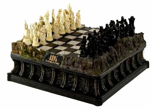 - filmwelt-shop King Kong Deluxe Chess Set - Limited Edition