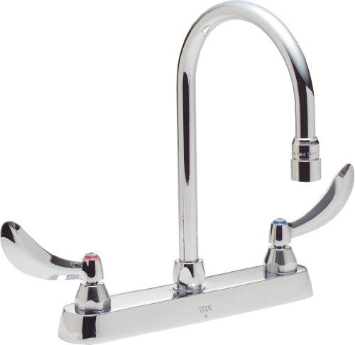 Delta Faucet 26C3944 26T, Two Handle 8-Inch Cast Deck-Mount Faucet, Chrome ()