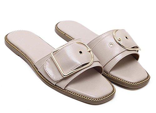 en forma de C hebilla de cuero de fondo plano decorado con las sandalias planas palabra de arrastre y mujeres de los deslizadores apricot