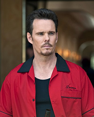 - Kevin Dillon 16x20 Canvas Giclee Red Jacket Entourage Star