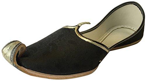 black khussa
