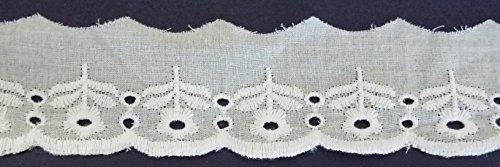 1,30 m Baumwollspitze weiß mit Lochstickerei und Blütenornamenten 40 mm