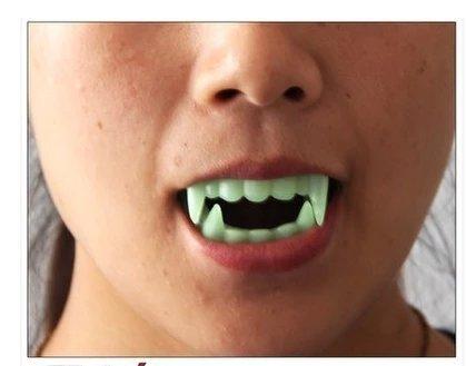 Vampire Fake Teeth (TingTang Glow in the Dark Vampire Zombie Fake Fangs Teeth Halloween Costume Party Cosplay Horror Activities Vampire Luminous Fluorescent Dentures Props)