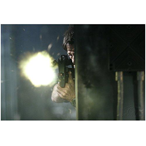 Joe Flanigan 8x10 Inch Photo Stargate Atlantis 6 Bullets The Other Sister Shooting Gun From Around Corner kn