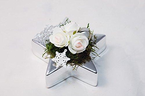 Tischgesteck In Silber Weiss Weihnachtlich Mit Weissen Rosen