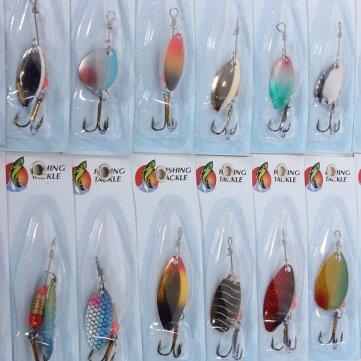 Pakhuis Alta calidad del metal 30x señuelos de pesca cebos Spinners surtidos de pescado ganchos Tackle