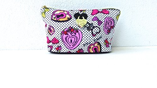 Betsey Johnson Cosmetic Case ()