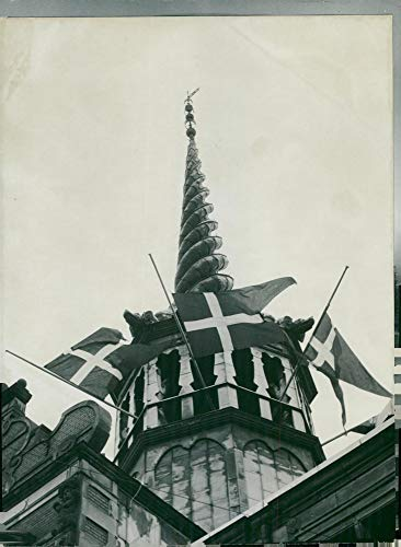 Pole Half (Vintage photo of Queen Alexandrine39;s funeral ceremony, the flags of the half-pole)