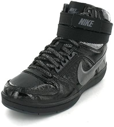 Nike Chaussures Delta Lite Mid taille 36:
