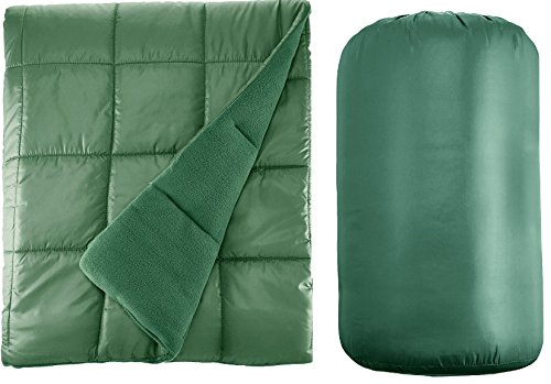 """Waterproof Quilted Down Alternative Outdoor Throw Blanket 50"""" x 60"""" Packable with Travel Sack (Green)"""