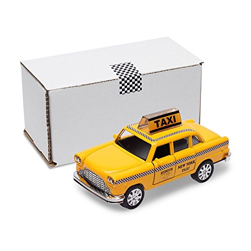 Die-Cast LED Light Up New York Yellow Cab Taxi / NYC Souvenir / 1:35 Scale Vehicle Pullback Action Toy Car / Gift Box Package