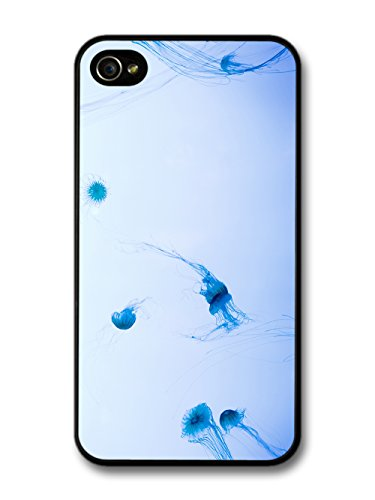 Jelly Fish Dancing In The Blue Sea In A Cool Style Design coque pour iPhone 4 4S