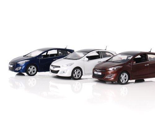 hyundai-toys-collation-mini-car-138-scale-unique-miniature-die-cast-model-1-pc-for-2012-hyundai-new-