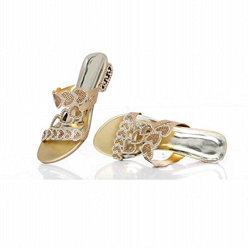 Latasa Womens Fashion Sexy Tettsittende Rhinestones Midten Hæl Sommerslippers Gull