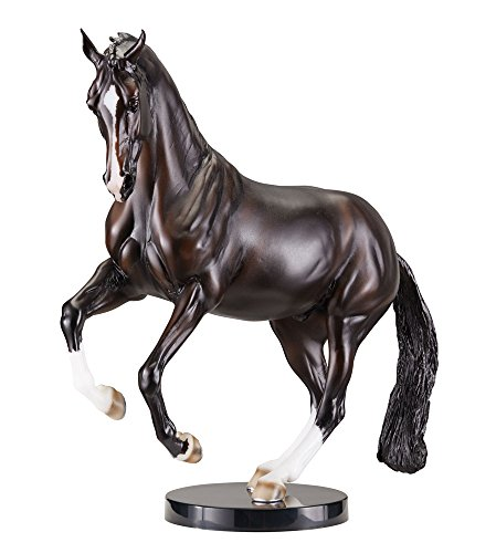 Breyer Traditional Valegro Horse Toy Model (1: 9 Scale), Multicolor
