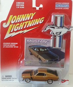 (Mustang Johnny Lightning 1970 Ford BOSS 302 Die-Cast 1:64 Car Gold (Dated 2004) )