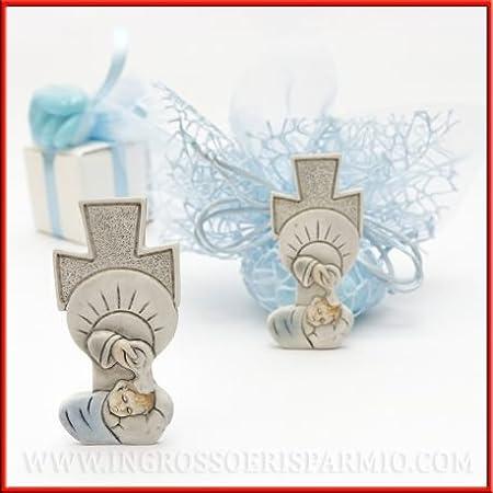 Statuetta a forma di croce in resina con bimbo chino su fonte battesimale e dettagli celesti - Bomboniera religiosa per battesimo, comunione, cresima (kit 3 pz + confezione) ingrosso e risparmio