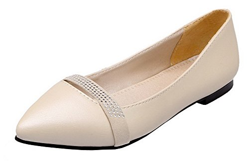 VogueZone009 Women's PU Pull-On Closed-Toe Low-Heels Solid Pumps-Shoes Beige WNpfRdhM