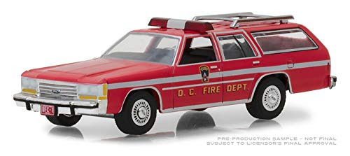 1990 Ford LTD Crown Victoria Wagon Washington D.C. Fire Department Hobby Exclusive 1/64 Diecast Model Car by Greenlight - Toy 1990's