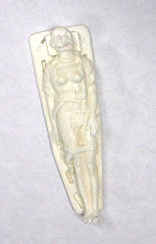 1:25 G scale model resin injured female ambulance patient on backboard figure