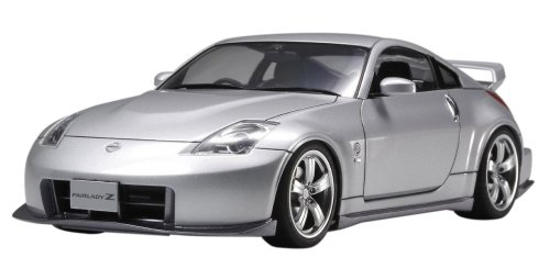 Tamiya Nissan 350Z - Version NISMO 1/24 Scale Model Kit 24304