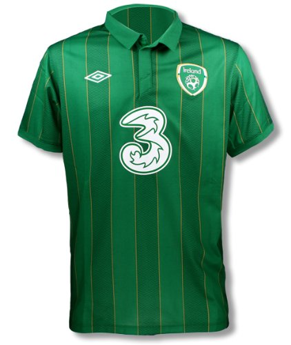 newest 8251a 5f15f Amazon.com : Umbro Ireland Home Jersey (36-S) : Soccer ...