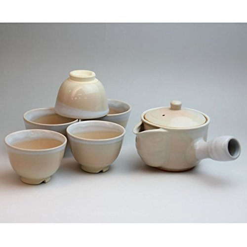 Japanese pottery Hagi-ware with tea strainer. Set of hime bancha teapot and teacups with Wooden box. shuto05713