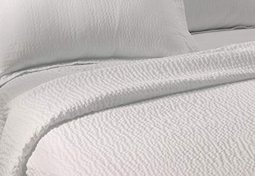 Lightweight Coverlet - White Rippled Texture - Exclusive to Courtyard Hotels, Fairfield by Marriott and Residence Inn