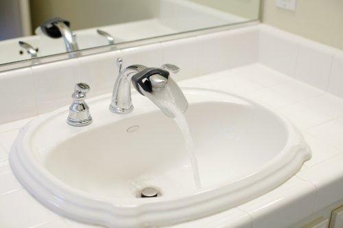 Aqueduck Faucet Extender, Gray