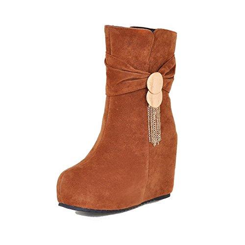 AllhqFashion Damen Rund Zehe Reißverschluss Mattglasbirne Stiefel mit Anhänger, Braun, 35