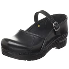 Your heel should lift up and down with every step, so if you are a half-size you may be more comfortable sizing up (for example, if you are a US 7.5, you may be more comfortable in an EU size 38). High quality leather upper follows the natur...