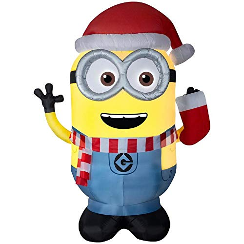 Gemmy Universal 8.99-ft x 4.69-ft Lighted Minion Christmas Inflatable]()
