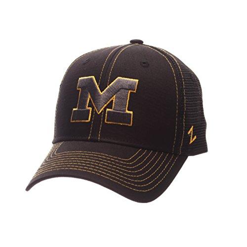 ZHATS NCAA Michigan Wolverines Adult Men's Staple Trucker Blackout Cap, Adjustable Size, ()