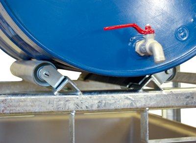 Zubehör zur Fassregalen mit 220-l-GFK-Auffangwanne : Drehbare Rollenauflage für 200-l-Fässer