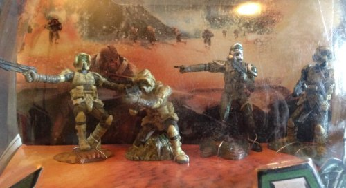 Star Wars Year 2005 Episode III Revenge of the Sith Unleashed Battle Packs Series 2-1/2 Inch Tall 4 Pack Set - Battle of Kasyyyk Yoda's Elite Clone Trooper (Unleashed Clone)