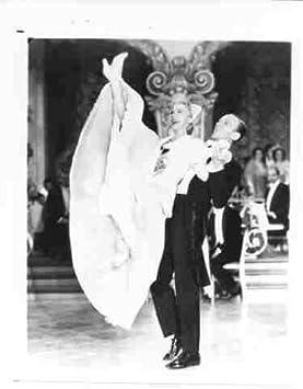 Foto de Fred Astaire y Ginger Rogers Dancing: Amazon.es: Hogar