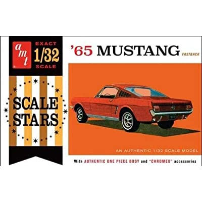 AMT AMT1042 1:32 1965 Ford Mustang Fastback, Scale: Toys & Games